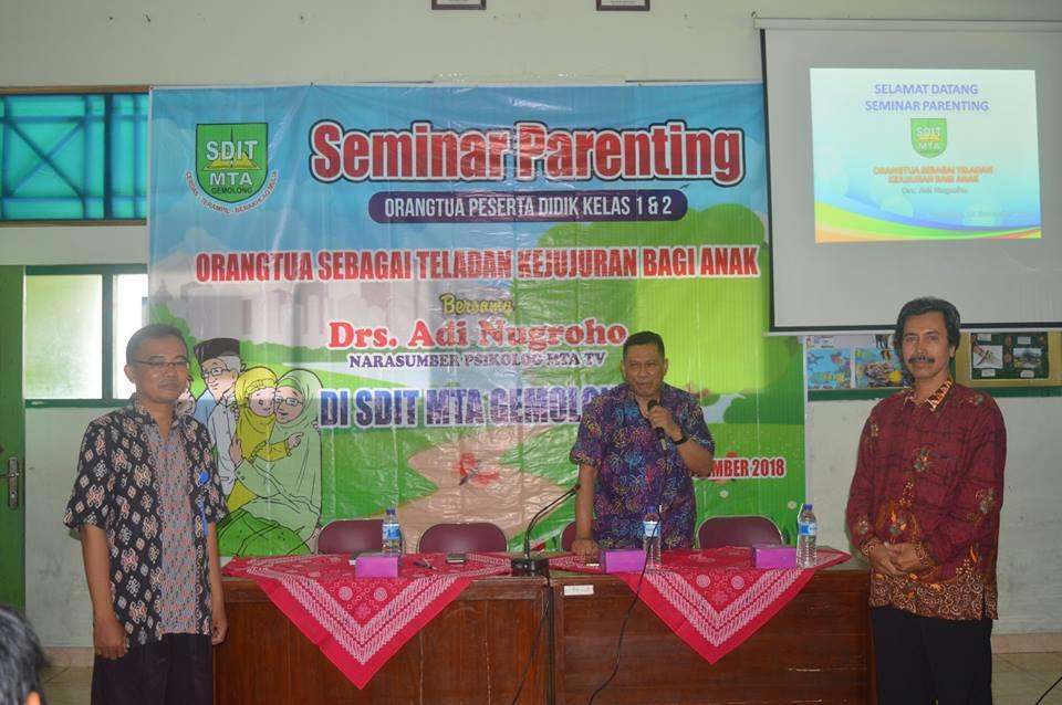 Seminar Bersama Drs. Adi Nugraha